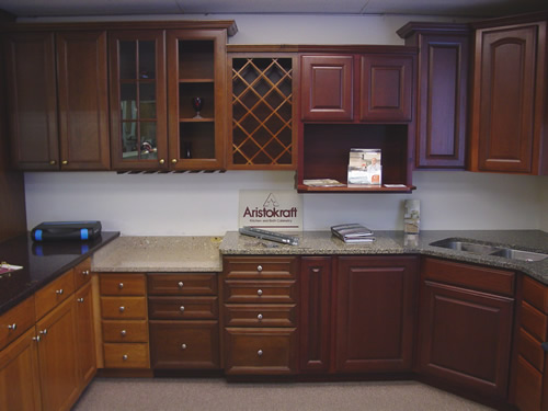 KITCHEN CABINETS AND BATHROOM CABINETS - ARISTOKRAFT FINE CABINETRY